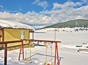 winter paradise, fozen lake, snowy